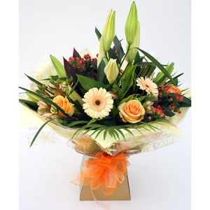 Peaches & Cream Bouquet includes Roses, Lily, Gerbera & Alstromeria Reference: HT5