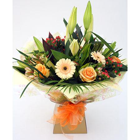 Peaches & Cream Bouquet includes Roses, Lily, Gerbera & Alstromeria Reference: HT5