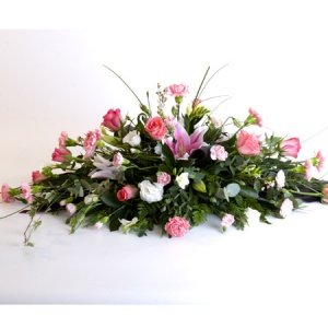 Spray Including Roses, Lily, Sray Carnation & Lisianthus Reference: SYM4