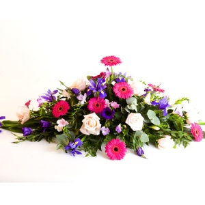 Spray Including Gerbera, Rose, Iris, Freesia & lisianthus Reference: SYM3